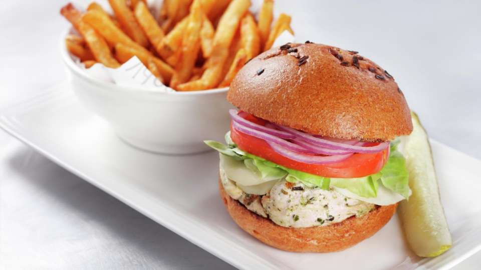 vdara-in-suite-dining-grilled-chicken-sandwich
