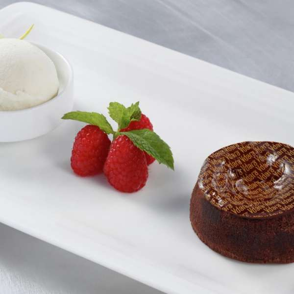 vdara-in-suite-dining-molten-lava-cake