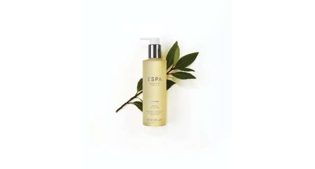 A beautifully rich shower oil to cleanse and sooth body and mind.