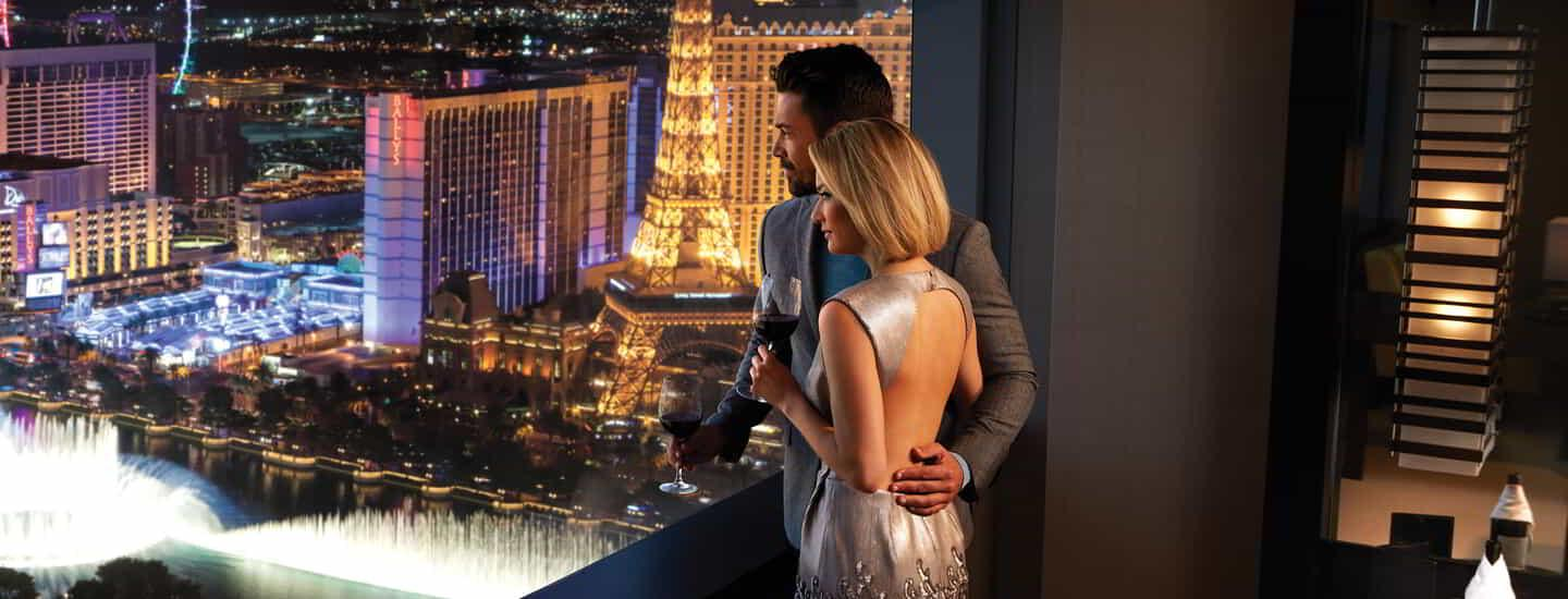 vdara-lifestyle-couple-fountain-view