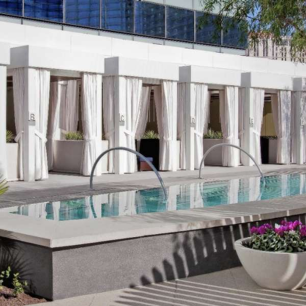 vdara-pool-and-lounge-vdara-architecture-cabanas