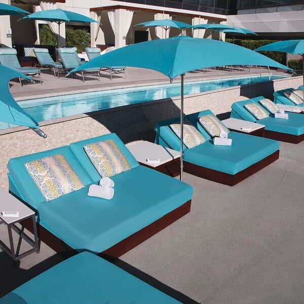 vdara-pool-and-lounge-vdara-daybeds