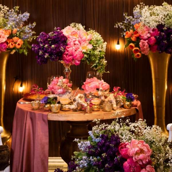 Love passionately with this sweetheart table set-up in Vdara's Vinoly Ballroom.